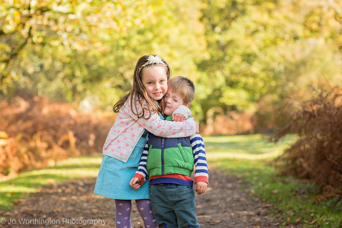 sibling love autumn photo session