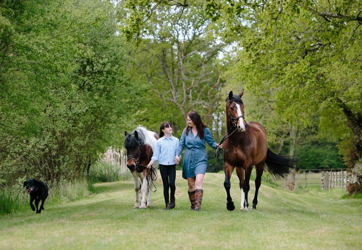 Posing with 2 horses and your mum Equine photoshoots